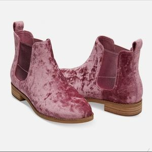 Toms Ella Crushed Velvet Boot